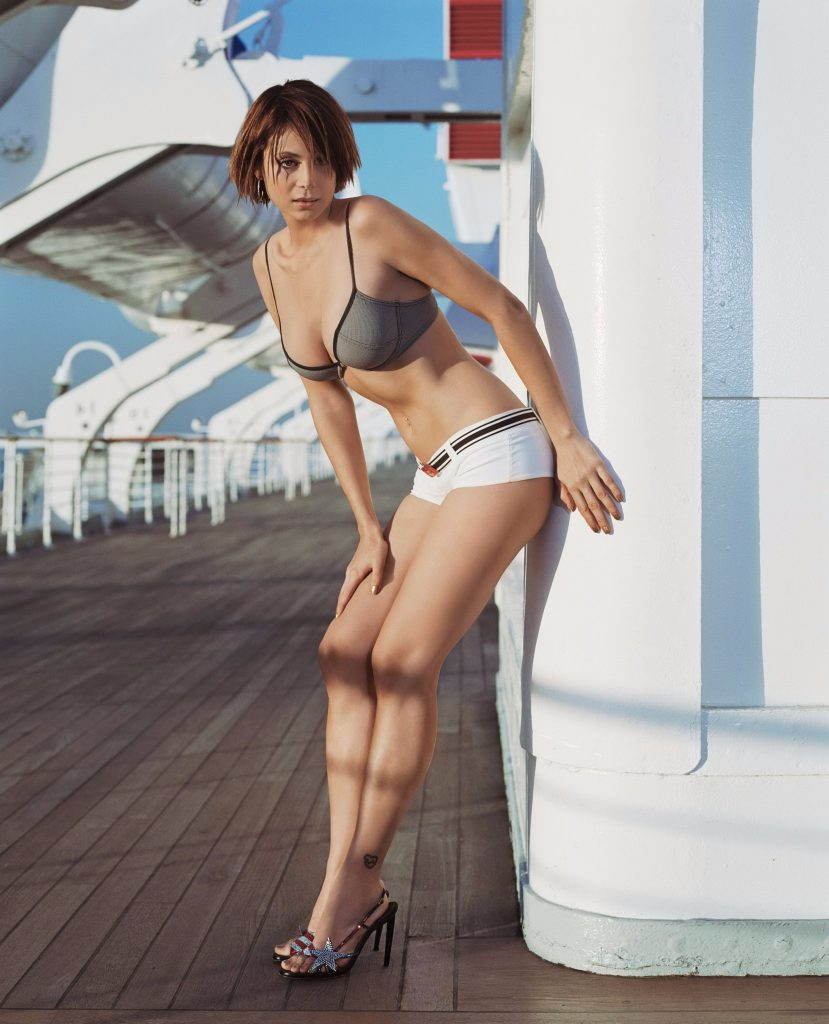 Shor Brunette Hair - Cheap London Escorts
