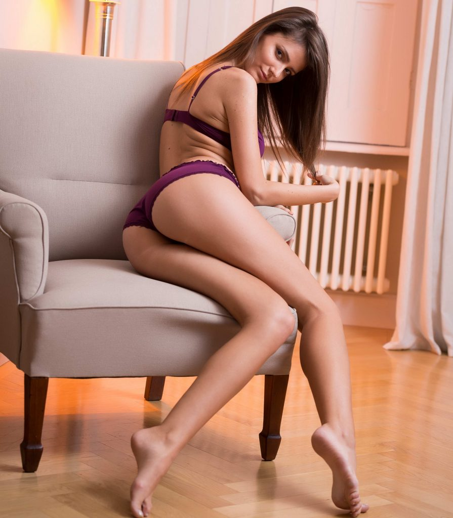 Stunning Teen Slim And Sexy - xLondonEscorts